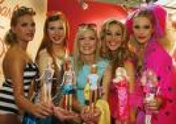 3 barbie kız