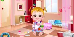 Hazel bebek doktorculuk oynuyor