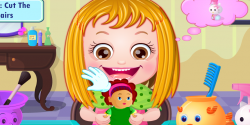 Hazel bebek saçlarını yıkıyor